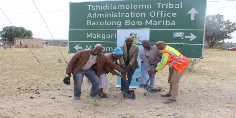 Executive Mayor Makolomakwa keeps his commitment to serve his communities